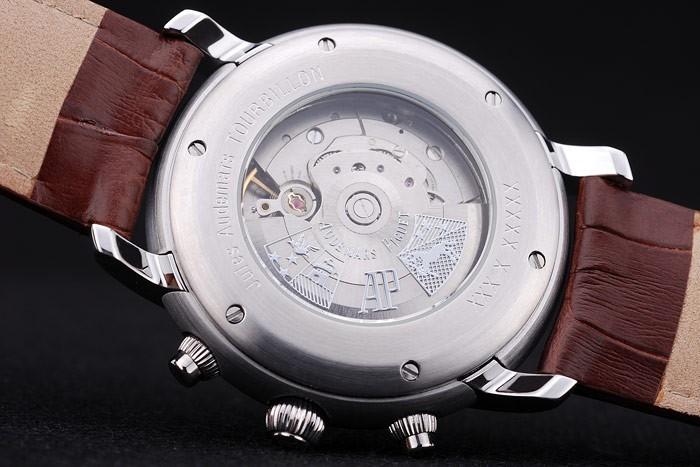 A juicio por vender réplicas de relojes de lujo por valor de 100000